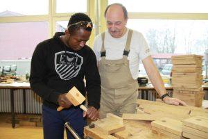 Holzbearbeitung unter Anleitung